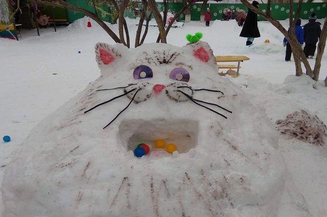 представлено около тысячи снеговиков