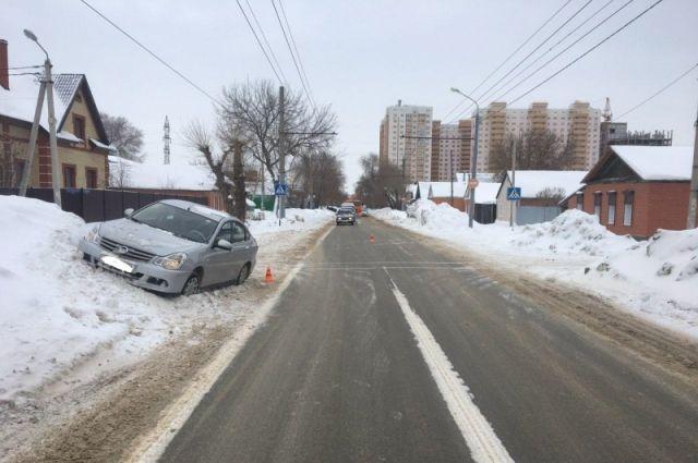 В Оренбурге Nissan сбил 8-летнюю девочку на Комсомольской
