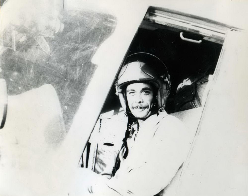 Майор ВВС Набожинский Николай Антонович. В ожидании вылета в Кандагаре, 1981-1982 годы.