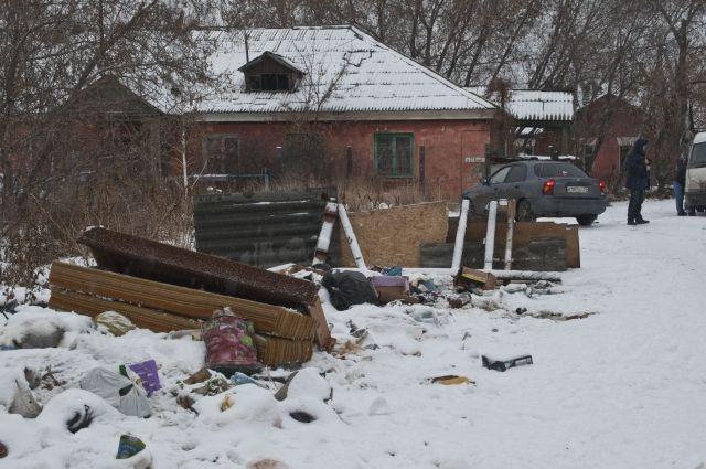 В Кировском округе Омска появилась очередная стихийная свалка