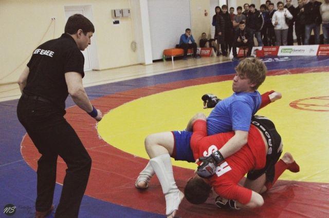 В Тюмени более 180 борцов участвовали в соревнованиях по панкратиону