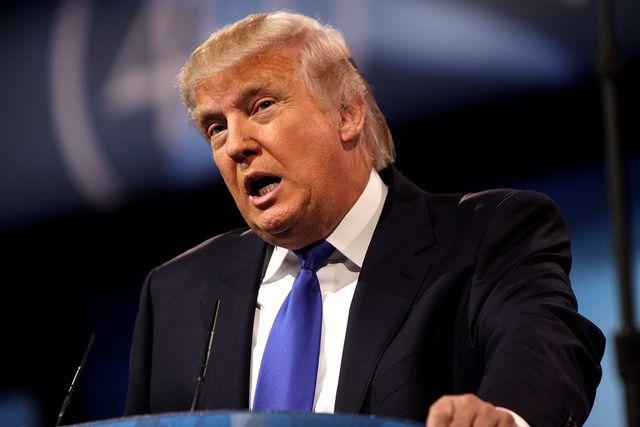 Трамп заявил, что при нем экономика США избежала краха