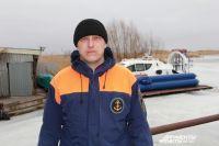 в 2019 году Максим Страхов  и его коллеги-спасатели вытащили из воды 3-х рыбаков.