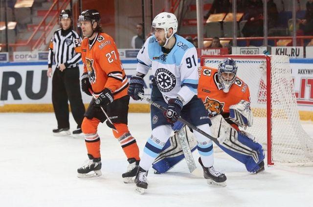 Контракт хоккеиста с клубом расторгнут по обоюдному соглашению сторон.
