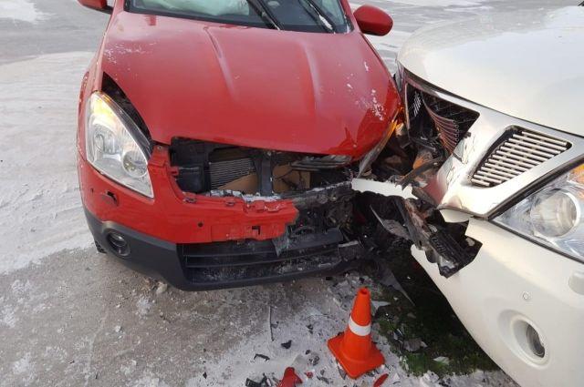 На Ямале 9 февраля в результате ДТП пострадали три человека