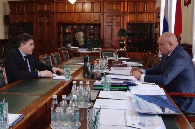 На встрече губернатор отметил, что перед властями стоит задача повысить уровень образования в кузбасских школах.