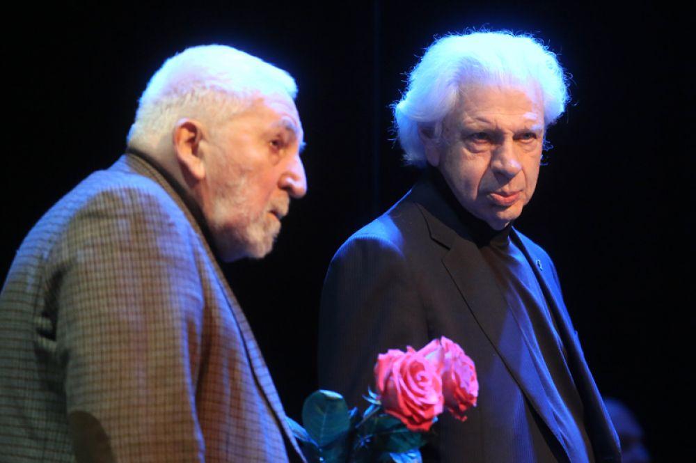 Писатель, режиссер Алексей Симонов (слева) и адвокат Генри Резник.