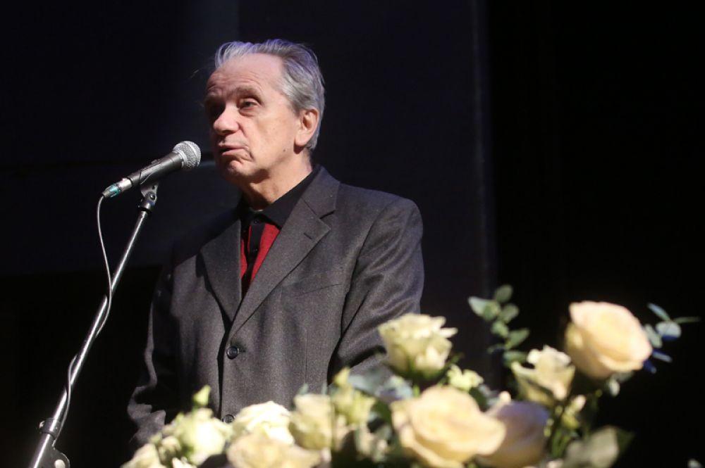 Актер Евгений Стеблов на церемонии прощания с актером Сергеем Юрским в театре имени Моссовета.