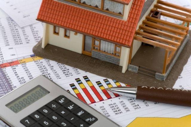 Самое время обзавестись большим загородным домом. Гораздо выгоднее будет купить готовый объект, чем заниматься строительством.