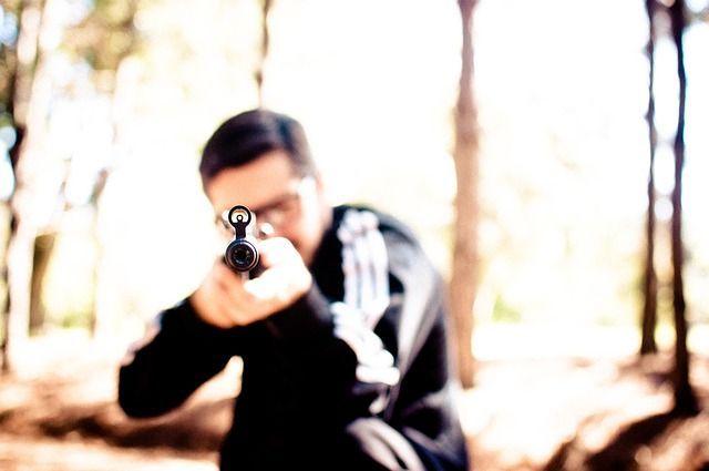 Калининградец стрелял по автомобилям из пневматического пистолета