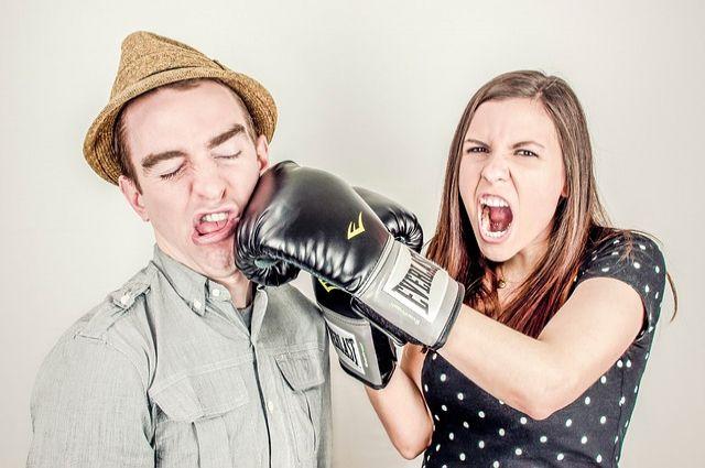 Сейчас благодаря соцсетям семейные разногласия становятся достоянием общества.