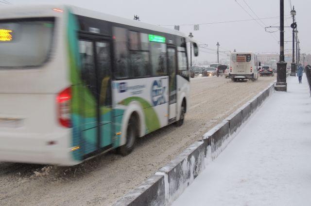 В Омске отменили 17 невостребованных автобусных маршрутов