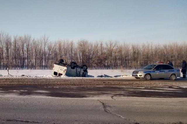 На Илекской трассе в ДТП пострадал «УАЗ».
