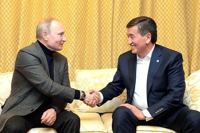 С президентом Киргизии Сооронбаем Жээнбековым. Фото пресс-службы Президента Киргизии.