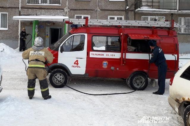 Тела мужчины и женщины обнаружены на пожаре ранним утром 13 февраля в Перми.