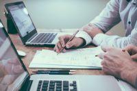 Для получения справки можно лично обратиться за справкой к специалистам клиентской службы.