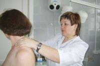 У женщин среди локаций рака на пером месте молочная железа, затем кожа, матка, толстая кишка и желудок.