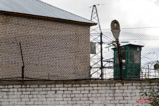 Суд назначил обвиняемому наказание в виде семи лет лишения свободы в исправительной колонии строгого режима.