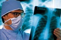 В Новотроицке туберкулезную больную суд принудительно отправил на лечение.