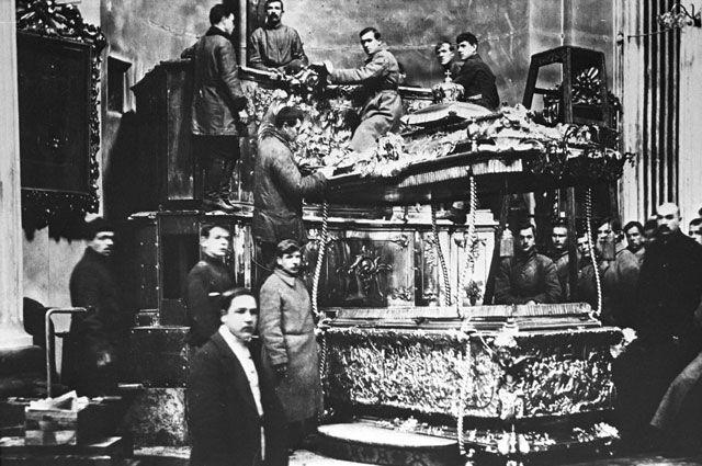 «Вскрытие покажет!» Как большевики устроили проверку мощам святых - Real estate