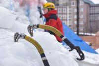 Тюменец выиграл соревнования по ледолазанию