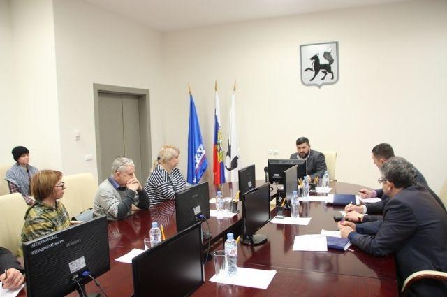 Салехардцы попросили градоначальника улучшить дорогу до СНТ «Надежда»