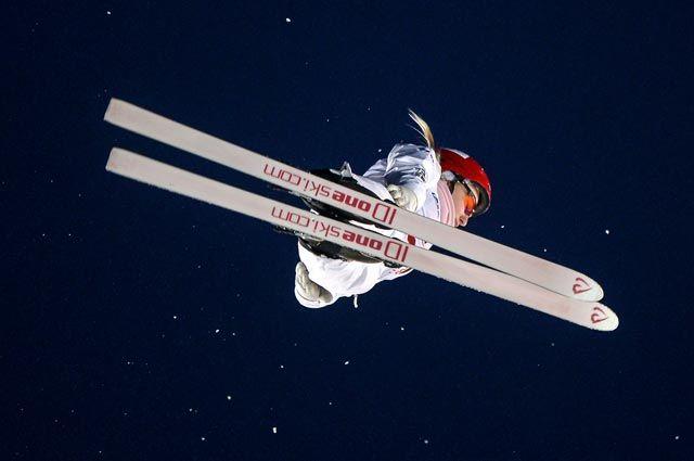 Кристина Спиридонова (Россия) на соревнованиях по лыжной акробатике в рамках этапа Кубка мира по фристайлу в Москве.