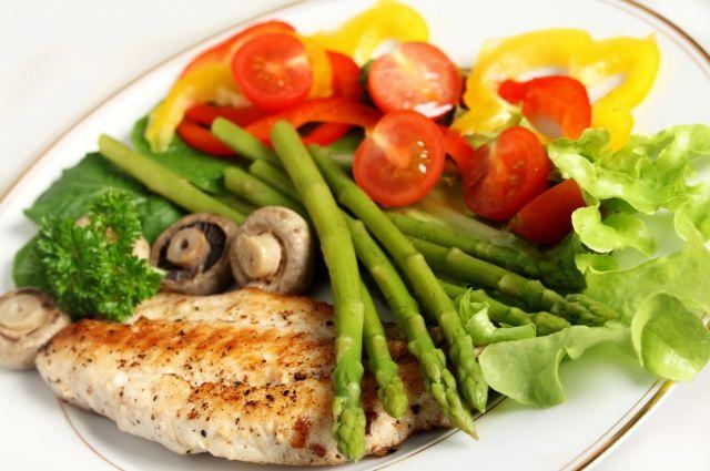 Диетолог рассказала, как правильно питаться при похудении
