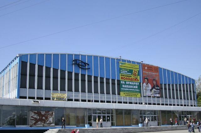 Выставки барнаул дворец зрелищ и спорта ставки в букмекерской марафон