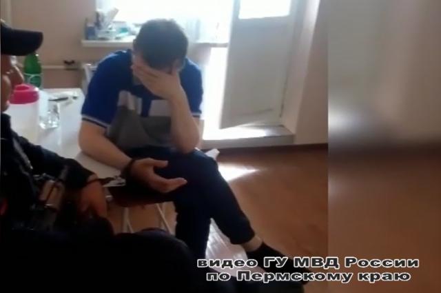 Два года назад подозреваемый оборвал все связи с родными и начал новую жизнь в Подмосковье по подложным документам.