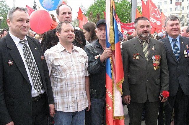 Ветераны локальных войн на одном из митингов на Площади Победы.