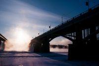 Высота Коммунального моста над уровнем воды — 30 метров.
