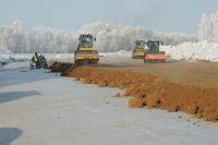 Дороги можно строить и зимой - технологии позволяют.
