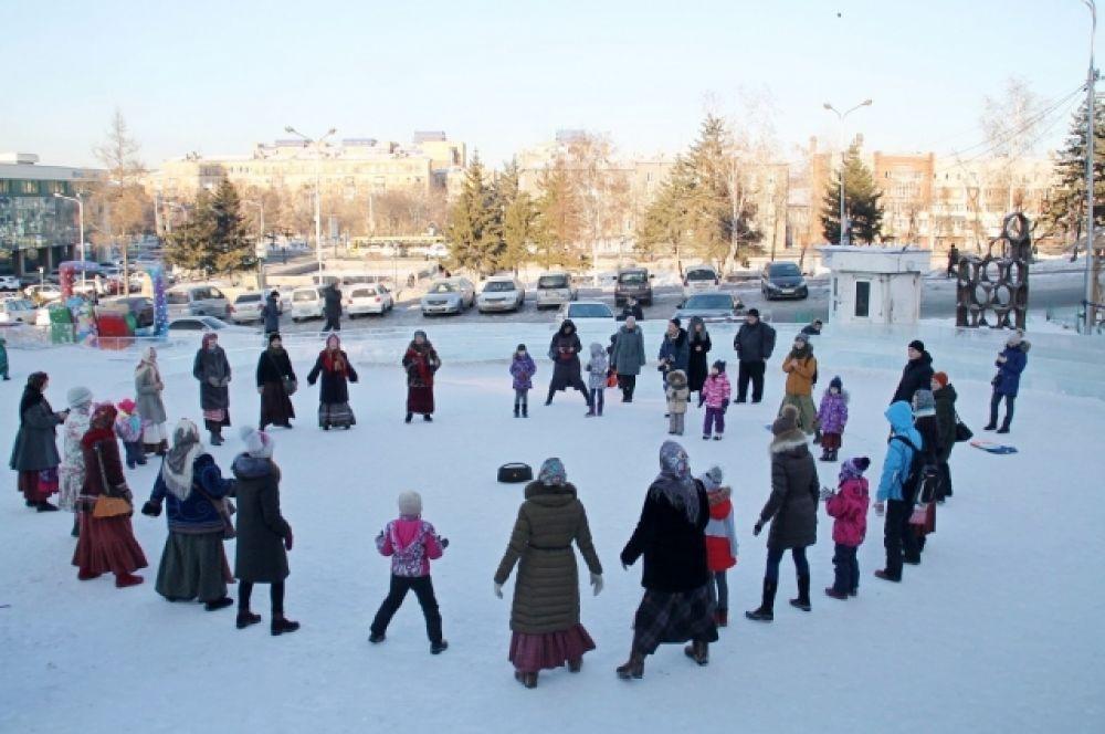 Множество народных примет связывают белорусы с Грамницами. Например, если мороз в этот день скрипучий, то снег скоро растает, весна будет сухой, а год – голодным.