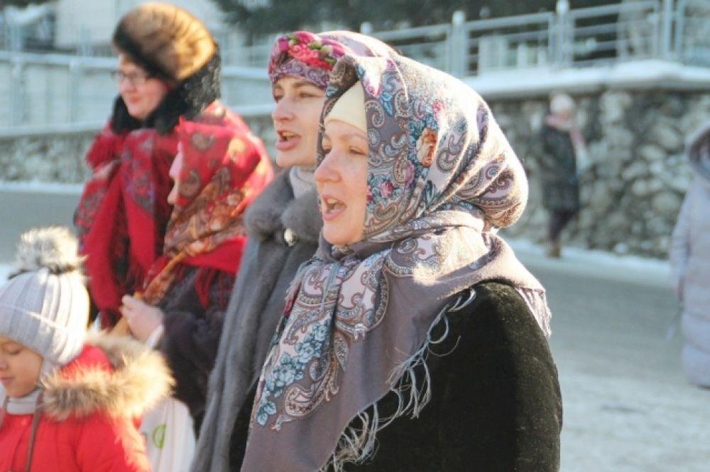 В современной  Беларуси его празднуют дважды: 2 февраля – по католическому календарю, а 15 февраля – по православному.