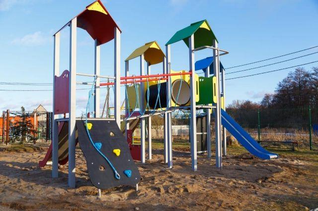 В посёлке Долгоруково появилась новая детская площадка