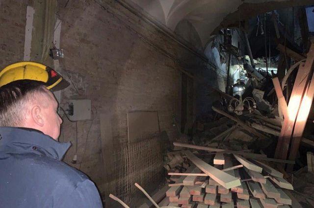 В университете обрушились перекрытия с пятого по первый этаж.