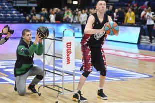 Окунуться в атмосферу спортивного праздника смогли лучшие юные баскетболисты из Березников и Соликамска.