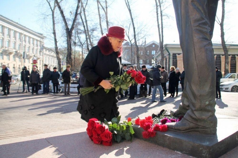 Именно Юрий Абрамович первым из региональных руководителей Российской Федерации предложил избирать глав администрации голосованием населения.