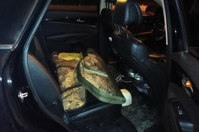 Остановились помочь: в Шарлыкском районе полицейские задержали браконьера