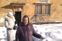 Жильцы дома № 24 по улице Дегтярева десятилетиями ждут переселения.