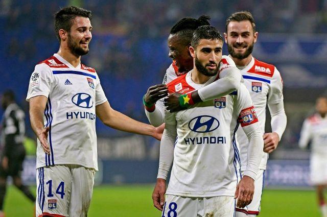 Во вторник, 19 февраля, состоится первый поединок 1/8 финала Лиги чемпионов между французским Лионом и испанской Барселоной.
