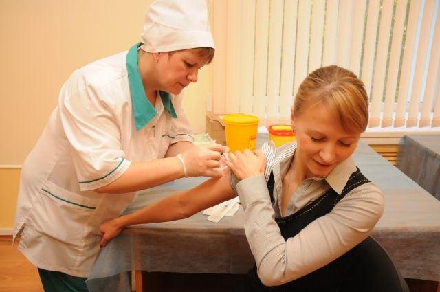 Без справки о прививках могут отказать в приёме на работу.
