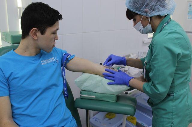 Взятая кровь поможет выявить донора костного мозга.
