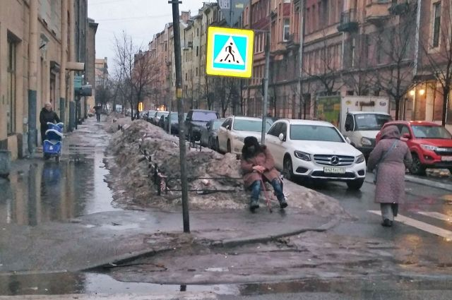 Более 50 тысяч человек живут на улице.