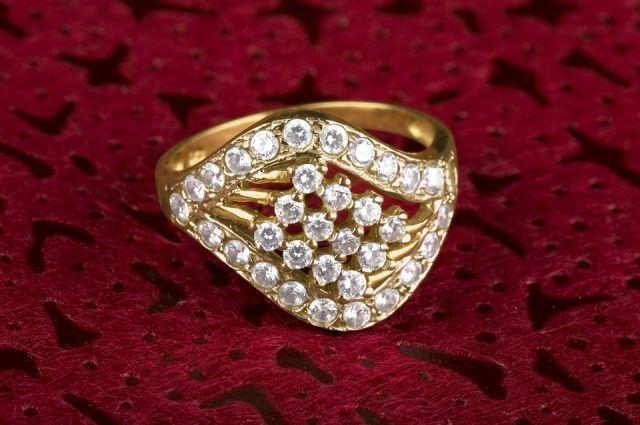 В Тюмени ювелир присвоил золотые украшения клиента и пропал