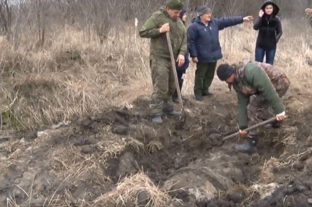 Опасная находка в Багаевской: бесхозные бочки с хлором.