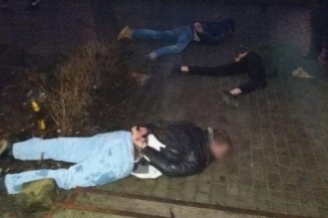 Сотрудники уголовного розыск задержали подозреваемых в разбое