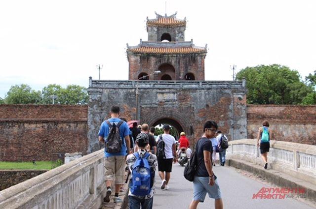Во Вьетнаме интересен и пляжный, и экскурсионный туризм.