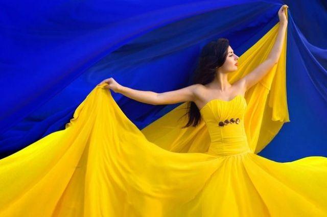 Население Украины уменьшается и составляет 42 млн 153,2 тыс. человек.